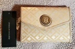 BRAND NEW WITH TAGS WOMEN'S TOMMY HILFIGER WALLET STYLE #694