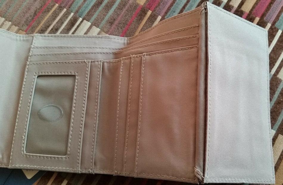 NWT Cherokee Pebbled Wallet